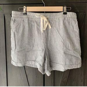 Lou & Grey Loft Linen Shorts | Shorts